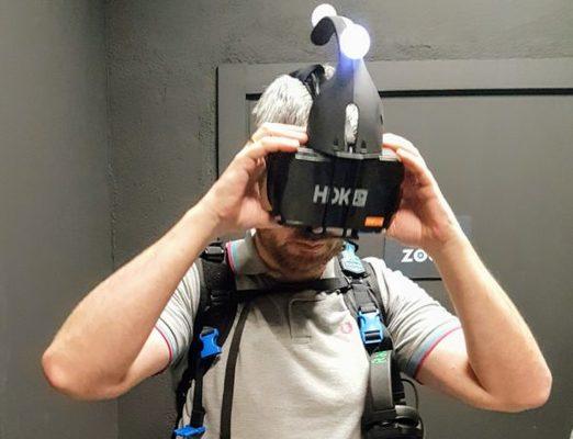 Las gafas utilizan una tecnología propia, las mochilas llevan ordenadores Alienware
