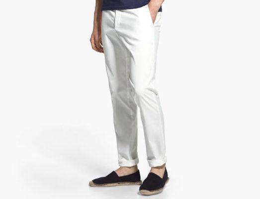 7497492f49 Pantalones blancos  cómo llevarlos sin perder la dignidad