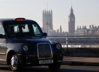 Uber pierde la batalla en Londres tras una revocación de sus licencias