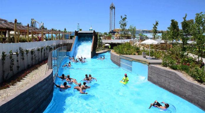 Parque Warner y sus piscinas, un filón para Parques Reunidos