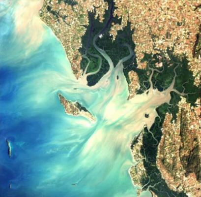 La imagen está capturada por EOS Land Viewer que era fundada por Max Polyakov