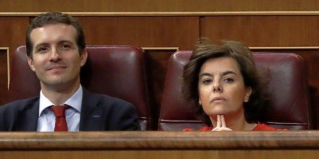 Santamaría y Casado apartan a Cospedal de la lucha por el PP.