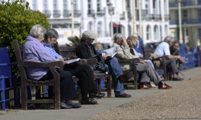 Los pensionistas huyen de la especulación inmobiliaria