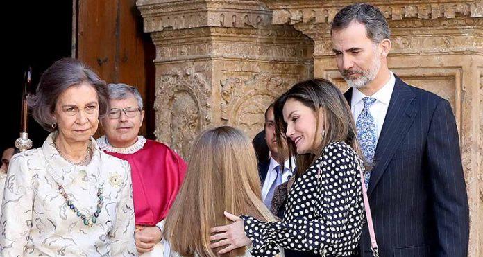 Felipe VI molesto con Letizia