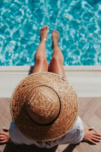 Foto de Fabricación de piscinas de poliéster para mantener el medio