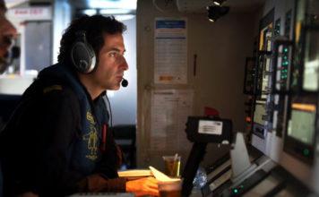Pablo Benjumeda y Juan Peña en el avión CN-235