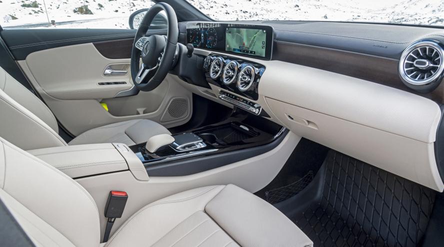 Mercedes-Benz Clase A interior