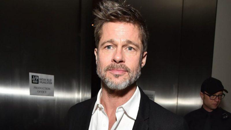 Brad Pitt posando