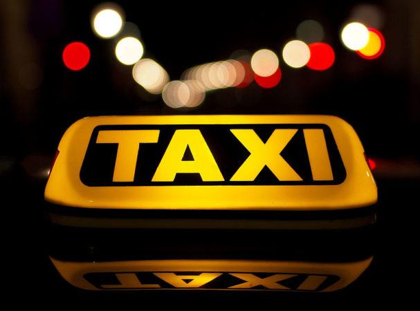 Uber y Cabify vs el taxi