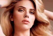 Scarlett Johansson posando