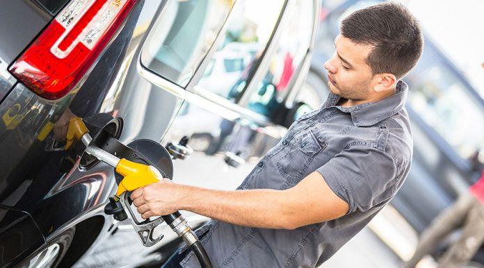 La gasolina barata incomoda a mucha gente