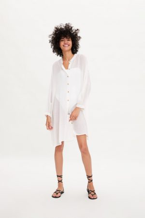 Vestido camisero de Zara, compañía de Amancio Ortega
