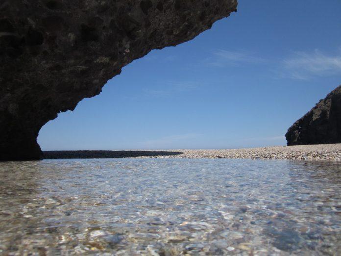 Playas de Almería con agua cristalina España