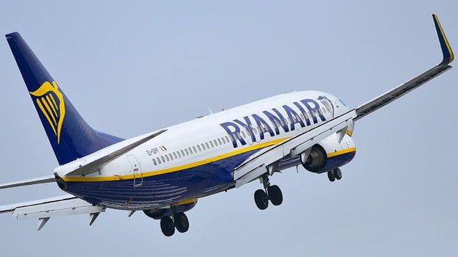 Avión de Ryanair, más impuntual que EasyJet y Vueling
