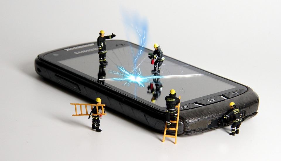 Que tu móvil no te achicharre, estos trucos harán que no le suba la temperatura