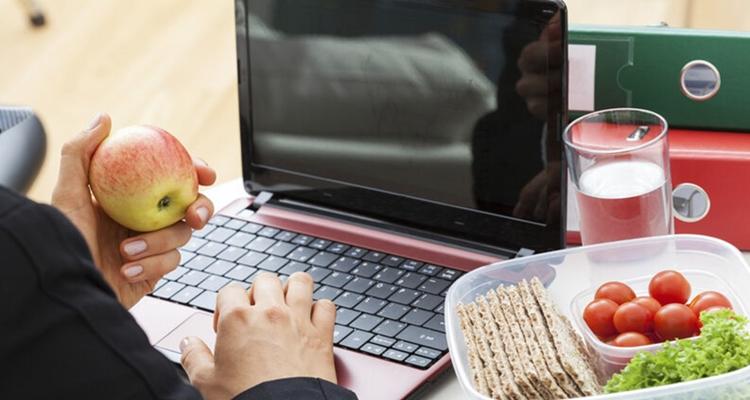 Perder peso en el trabajo: lleva alimentos saludables