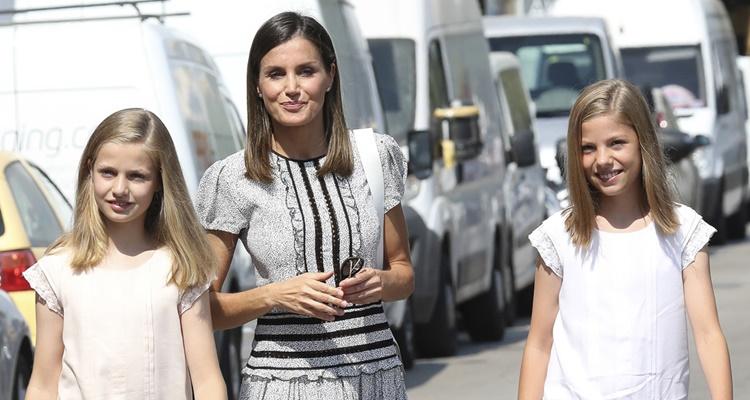 Letizia viaja a Roma con Leonor y Sofia