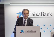 Jordi Gual CaixaBank insignia de oro