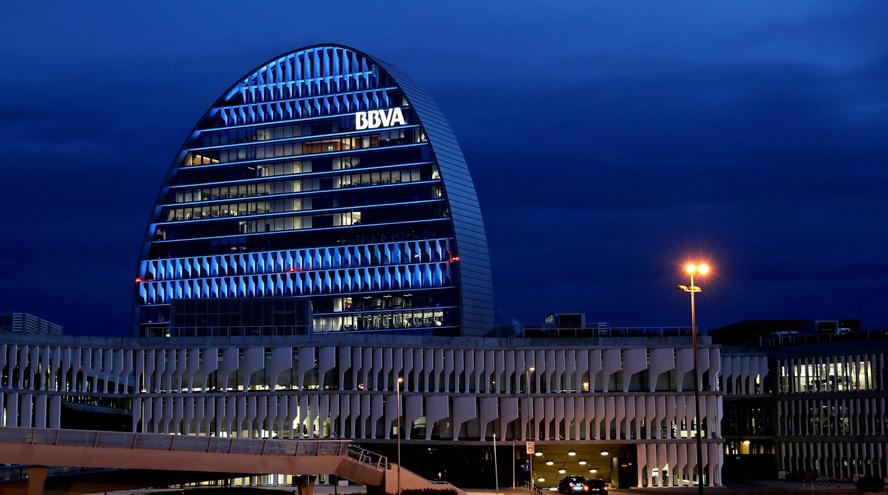 El aumento de las comisiones de BBVA provoca una salida récord de 10.000 M€ en depósitos