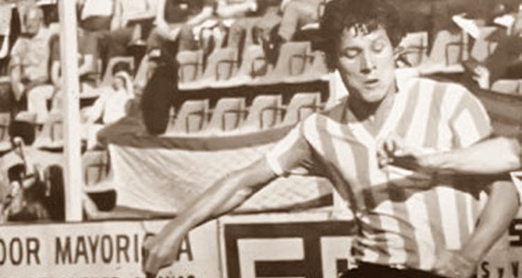 Hernán Salvador, futbolistas árbitos