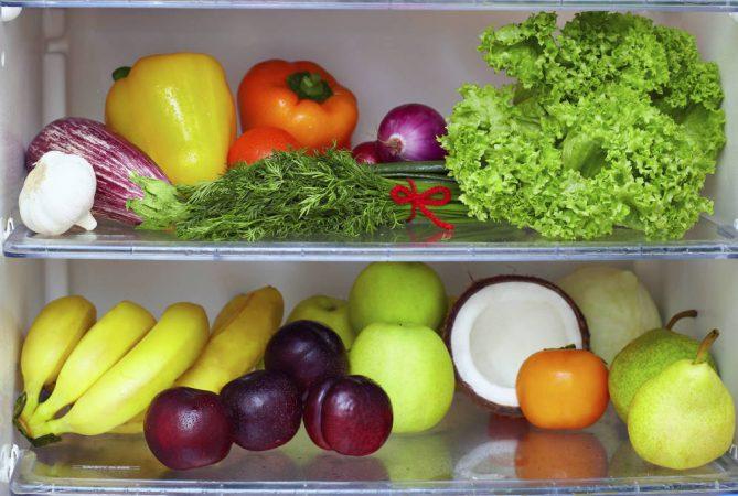 hay que saber guardar correctamente la fruta y la verdura dentro de la nevera