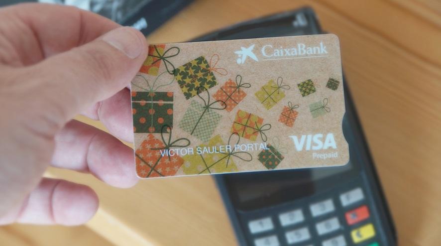 CaixaBank lanza tarjetas biodegradables para favorecer la lucha contra el cambio climático