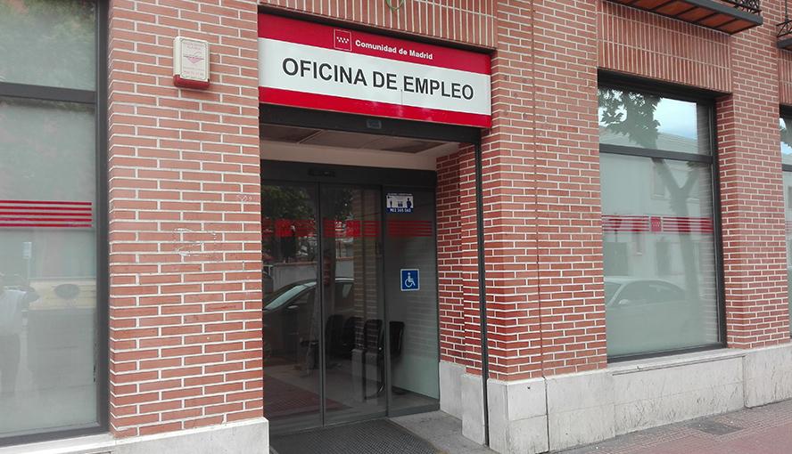 Las medidas laxas de Madrid frenan la sangría de paro entre las mujeres en España