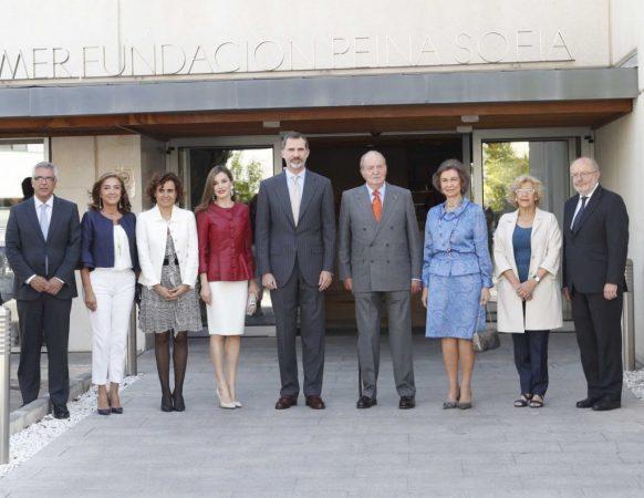 Reina Sofía junto a su familia y otros miembos