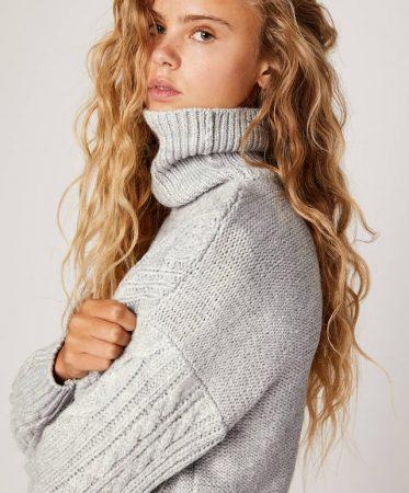 Jersey cuello alto aranés de Oysho
