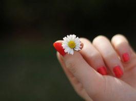 morder las uñas