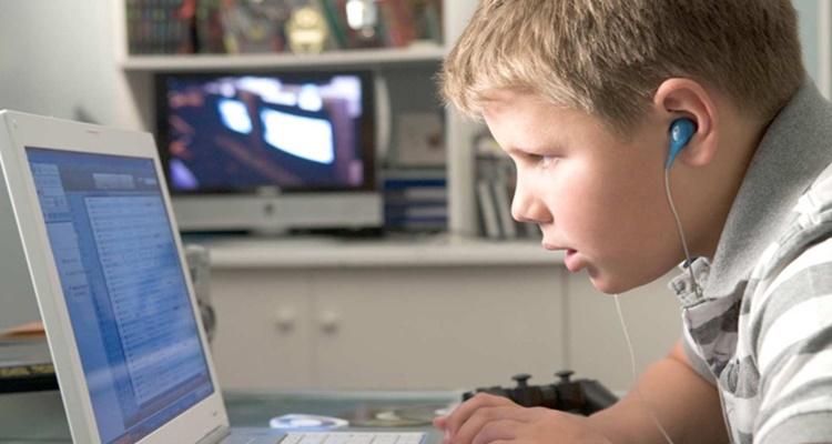 Actividad académica en niños vía internet