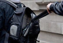 ladron robando mochila: Android, iPhone