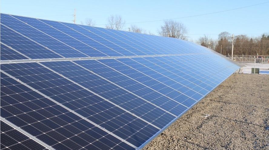 El sector fotovoltaico espera ver en el BOE la aclaración a la norma de la electricidad