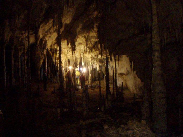 Cueva de Coventosa, en Cantabria, que parece Marte