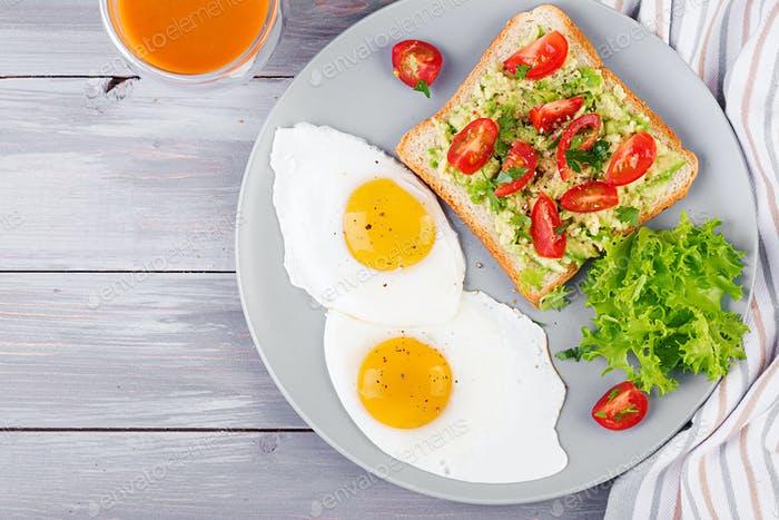 El huevo frito no engorda: así lo debes hacer para colarlo en tu dieta