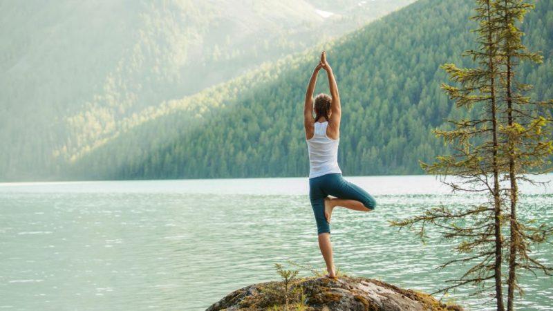 yoga postura arbol