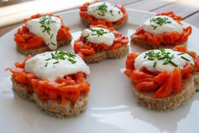 Recetas baratas: canapé de salmón ahumado