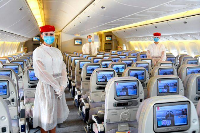 Los mejores consejos para prevenir el coronavirus en un avión