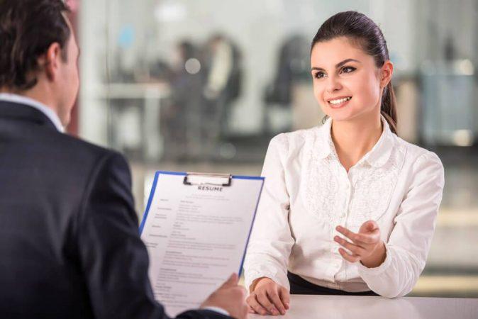 El perfil para un puesto de trabajo entrevista