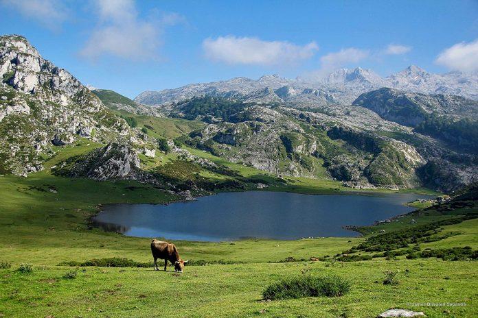 Lagos de Covadonga, rincones de España para hacer una escapada en verano