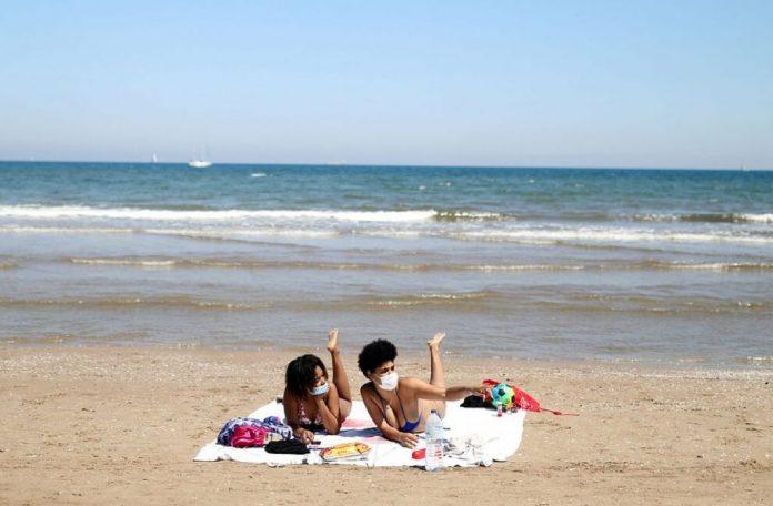 mascarilla playa