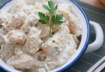 La receta más veraniega para hacer unas patatas alioli