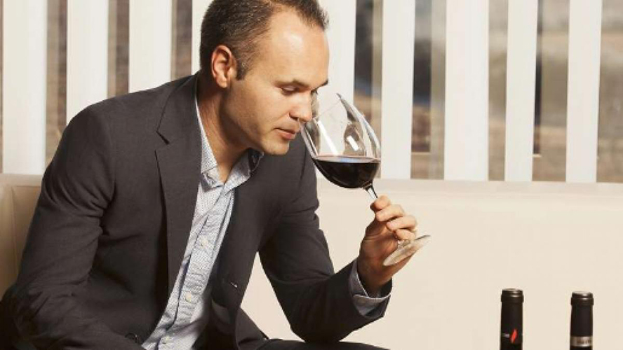 La falsa promesa japonesa: Iniesta vende menos vino y duplica sus pérdidas