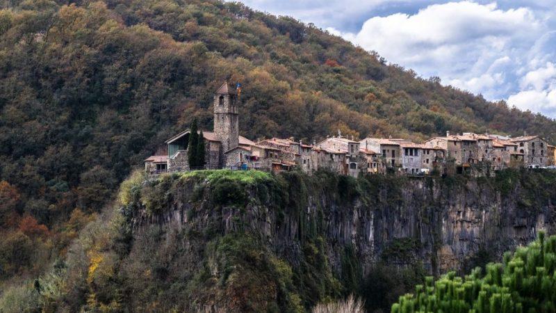 pueblos poco conocidos Castellfollit de la Roca