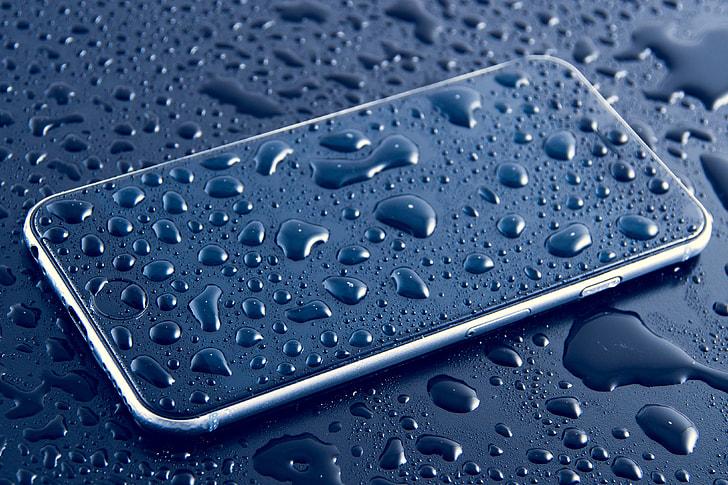 Qué hacer si tu smartphone se te ha caído al agua