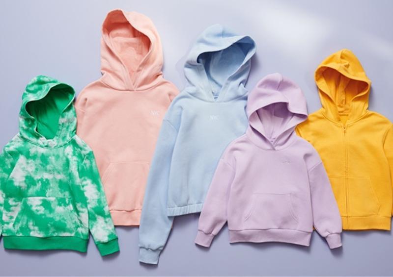 H&M y Danone Aqua convertirán 3,5 millones de botellas en moda infantil