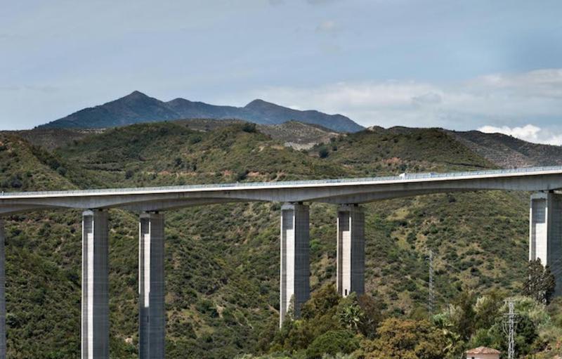 La CNMC incluye a Ferrovial Servicios en el expediente contra varias empresas conservación de carreteras