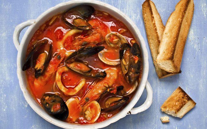 sopa de mariscos fácil
