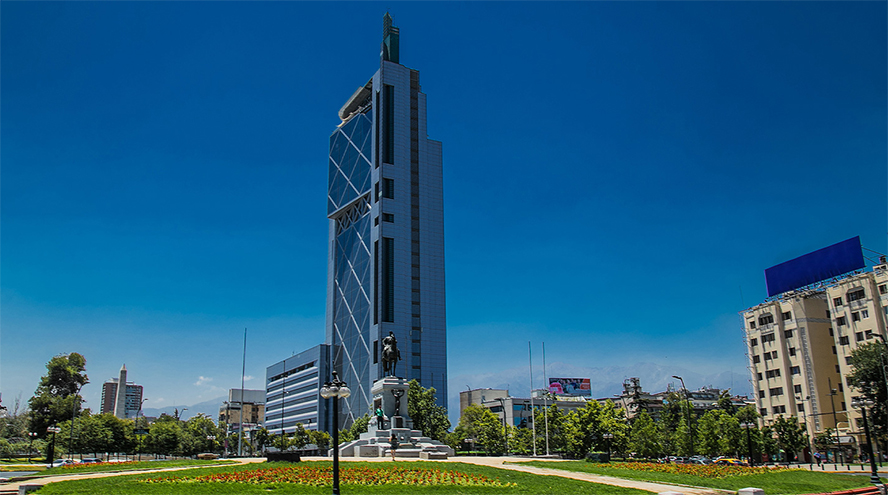 Telefónica vende el 60% de su negocio de fibra en Chile a KKR