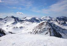 Pirineos, montañas nevadas